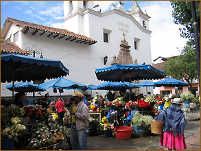 Plaza de flores in Cuenca