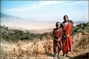 Masai-Kinder am Ngorongoro