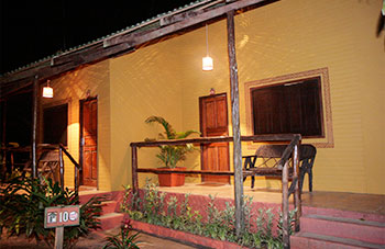 Bungalow der Lodge am Amazonas